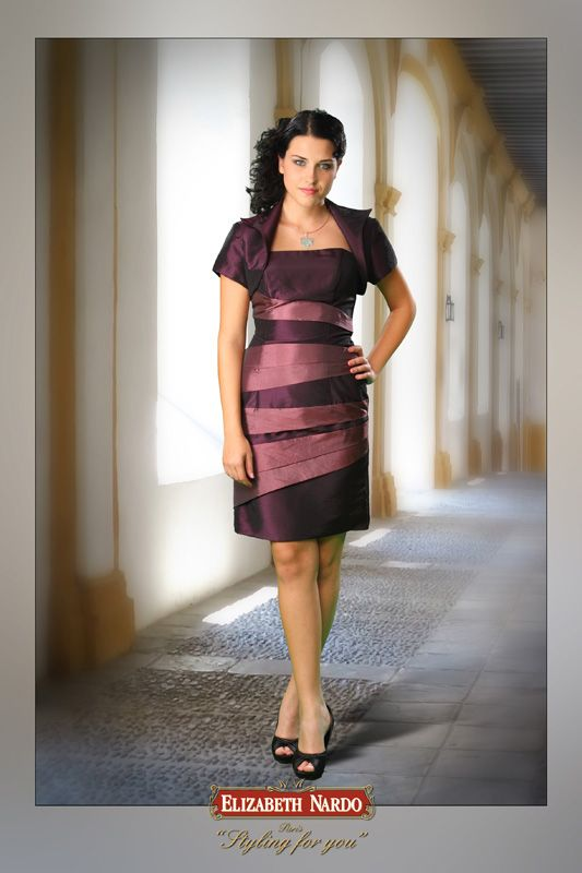 0110cedad6 13-104 kétszínű taftból készült szűk alkalmi ruha - ELIZABETH NARDO ...