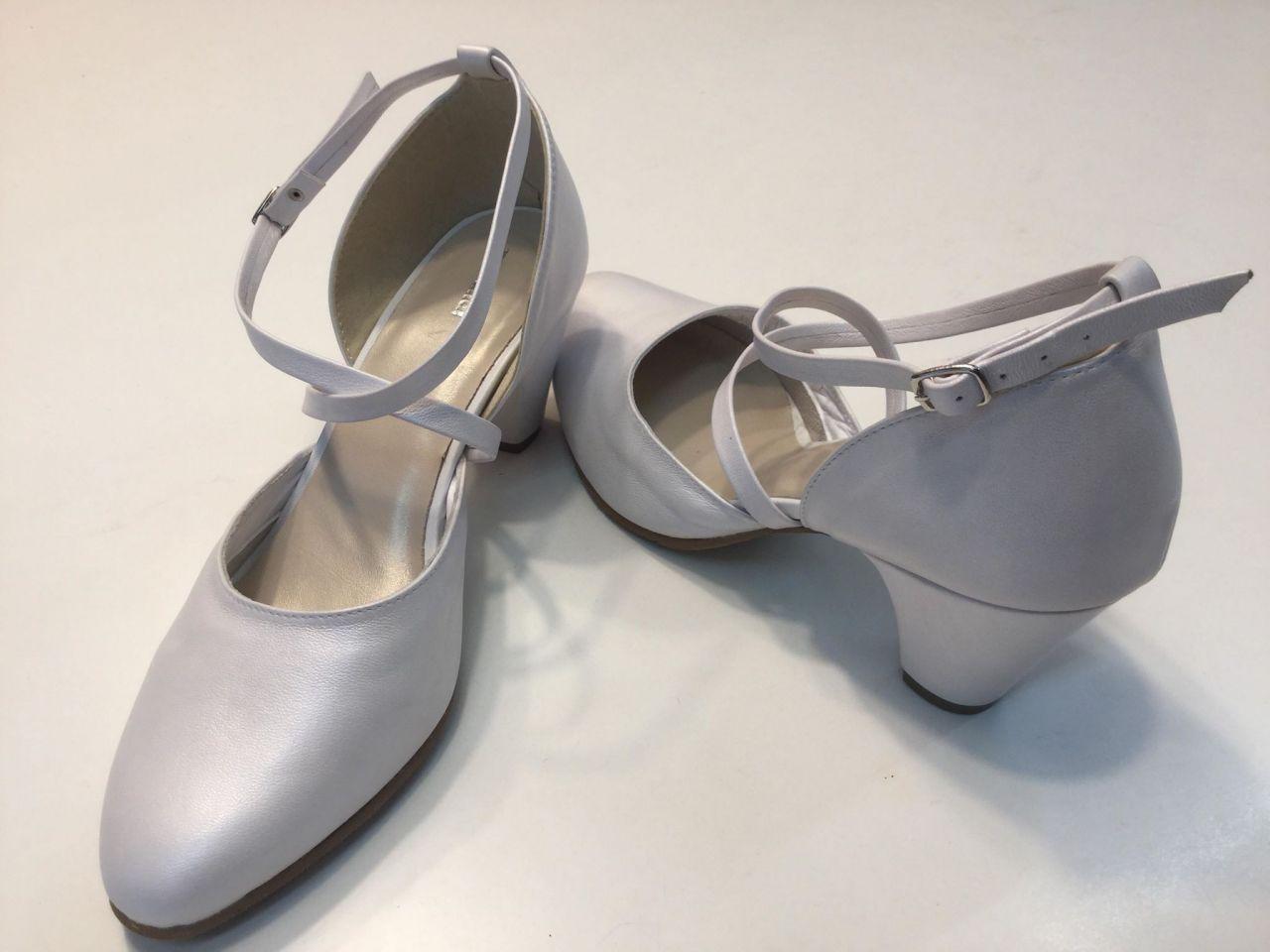 17-904 Morandi fehér női bőrcipő 4 cm-es sarokkal
